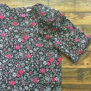 Worthington short sleeve blouse with shoulder pads